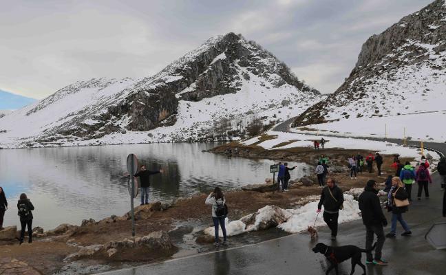 Asturias puede con la previsión meteorológica y llega al 85% de ocupación en Semana Santa