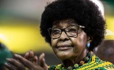 Muere Winnie Mandela, ex esposa del presidente sudafricano Nelson Mandela