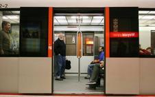 Agresión en Bilbao: cinco menores escupen y golpean en el metro a una mujer que les recriminó su actitud