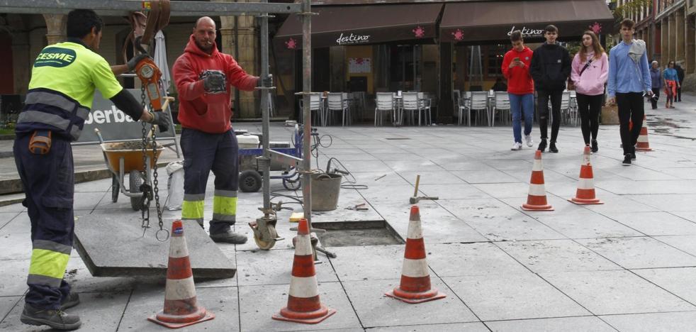 El Ayuntamiento de Aviles activa la renovación de aceras y pavimentos en el centro