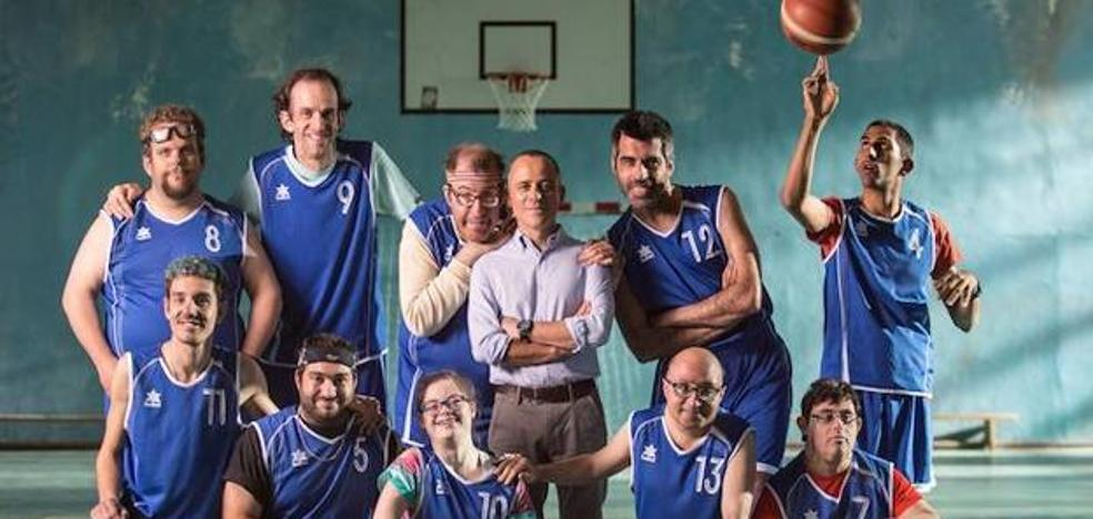 Los 'Campeones' del asturiano Javier Gutiérrez vencen a Spielberg y se convierten en el mejor estreno español del año