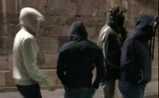 Detenidos cinco ultras como autores del ataque a los clientes de un bar de Gijón