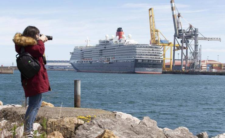 El lujo del 'Queen Victoria' llega a Gijón