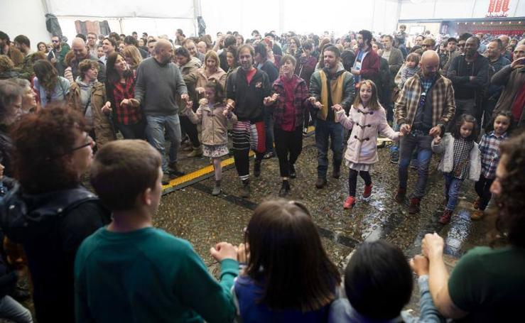El Gijón Sound Festival llena de actividades y música la mañana gijonesa