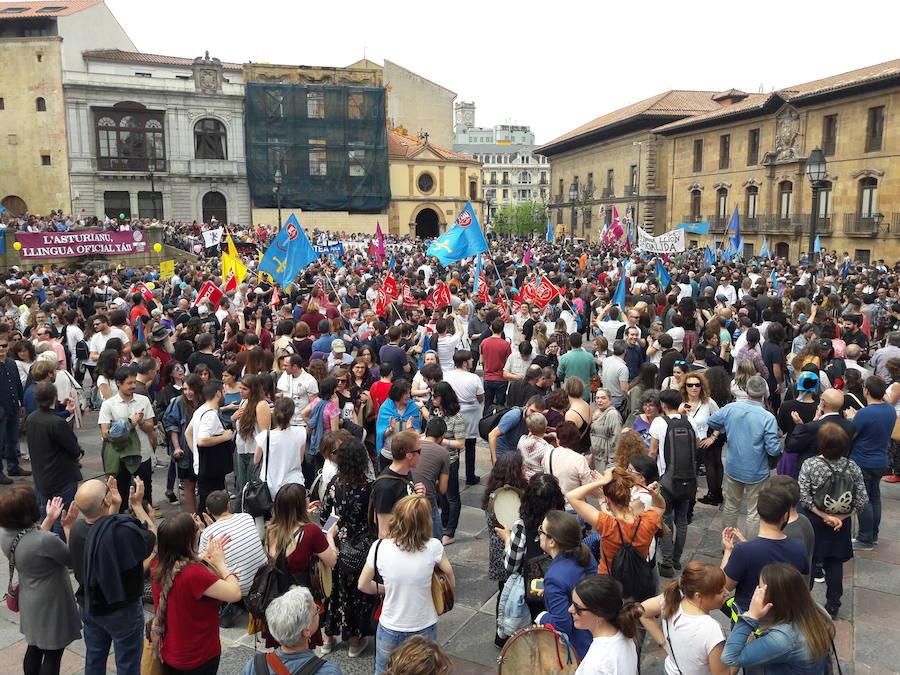 Miles de personas se unen por la oficialidad del asturiano