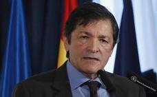 Javier Fernández dice que la cooficialidad no puede aprobarse «de tapadillo» y que los asturianos decidirán
