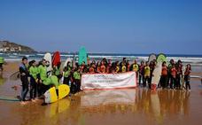 Los surfistas piden que el grado en Deportes vaya a Gijón