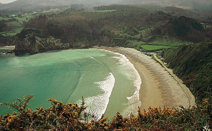 Así son las playas de Asturias que tienen bandera azul
