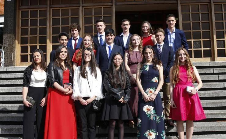 Los alumnos del colegio Monte Deva de graduación