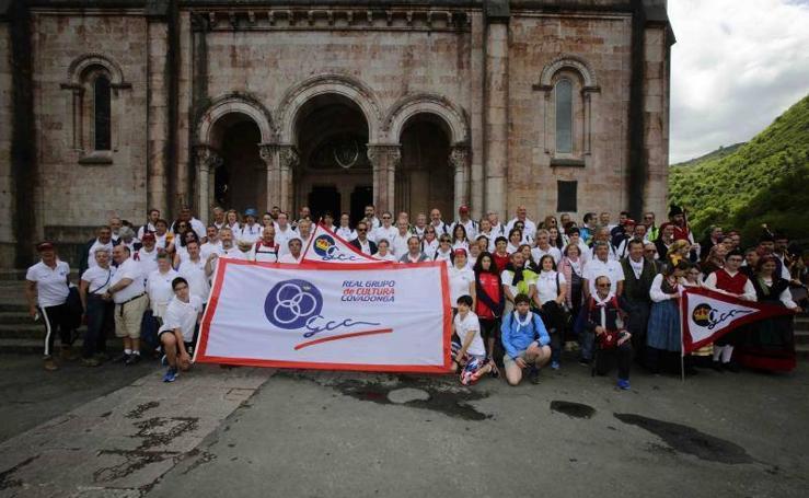 El Grupo Covadonga se vuelca con la Santina
