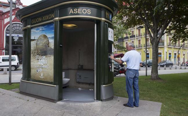 Los usos de las cabinas de aseos públicos crecen un 25% y ya superan los 300.000 al año