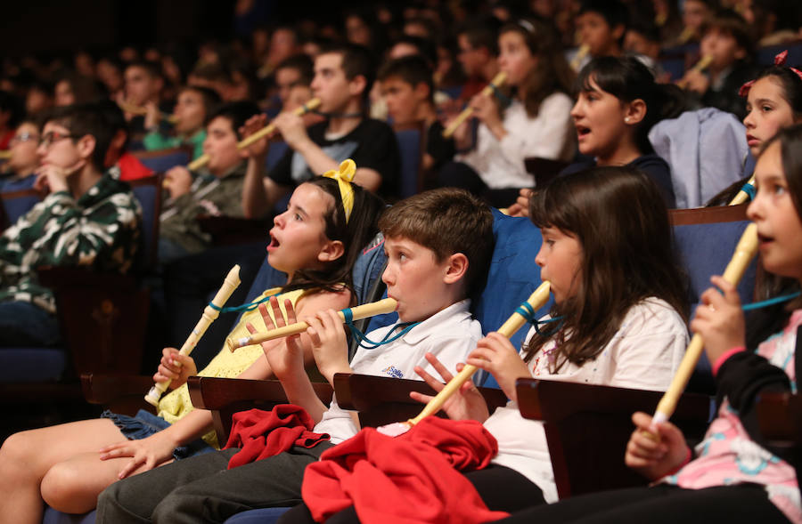 La OSPA lleva la música sinfónica al público más joven