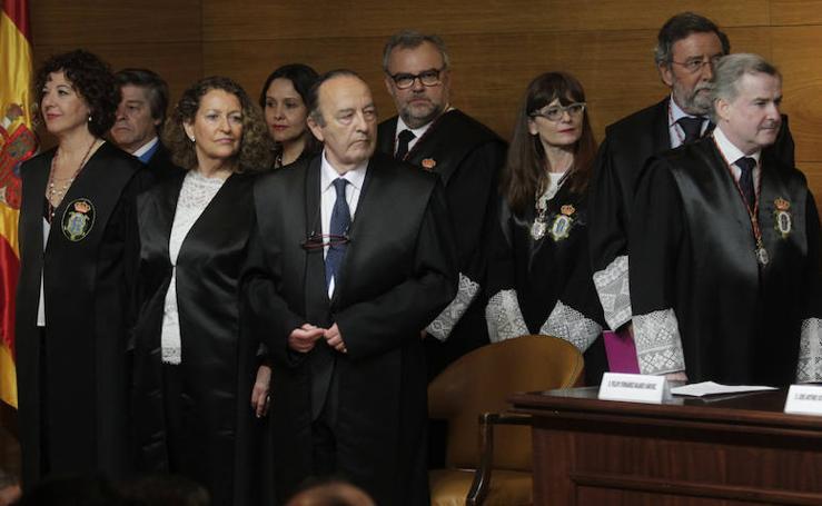 El Colegio de Abogados de Oviedo entraga sus medallas de oro y plata