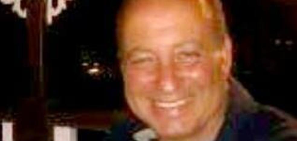 Fallece el fotógrafo Jaime Dude mientras jugaba al tenis en el Grupo Covadonga de Gijón