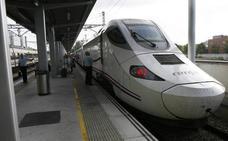 Dos trenes Asturias-Madrid, con retrasos por averías de catenaria