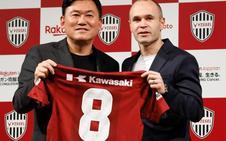 Andrés Iniesta: «Estoy muy feliz, siento admiración y respeto por el fútbol japonés»