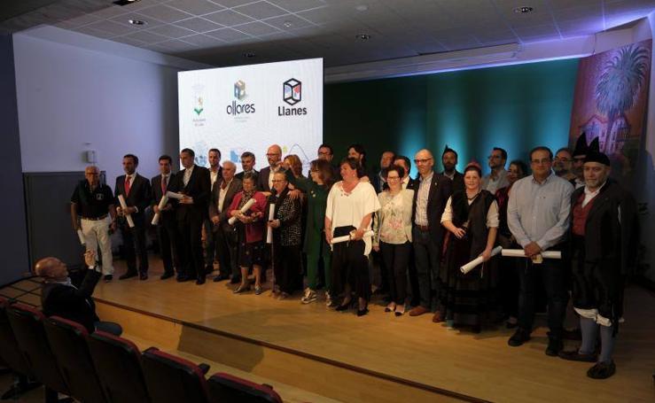 Llanes entrega sus premios de Turismo con la presencia de Massiel
