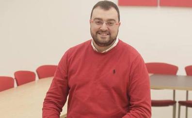 Adrián Barbón, proclamado candidato socialista provisional al Principado