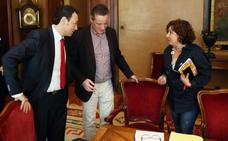 Fractura total en la Junta General por la moción y los posibles apoyos del PSOE