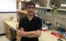 Un biólogo gijonés, en el camino de alargar la vida