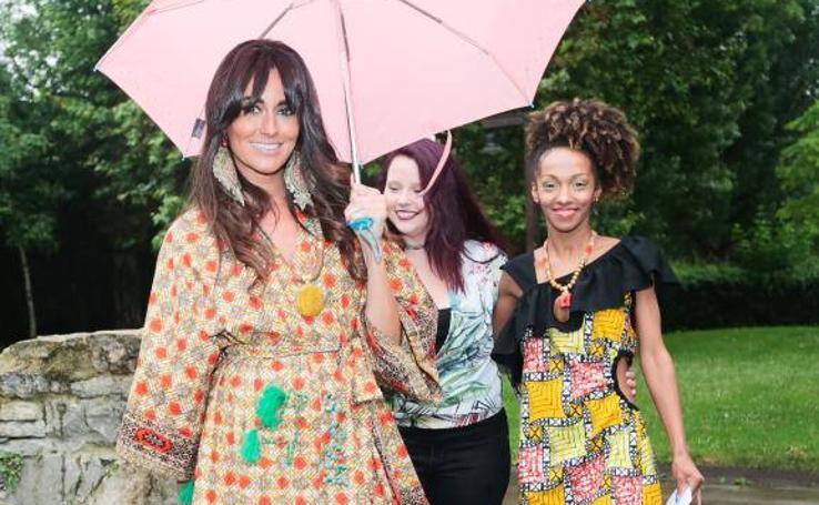 La moda asturiana desfila por la mujer africana