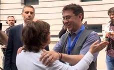 Monedero, a Sáenz de Santamaría: «Me alegro de que os vayáis»