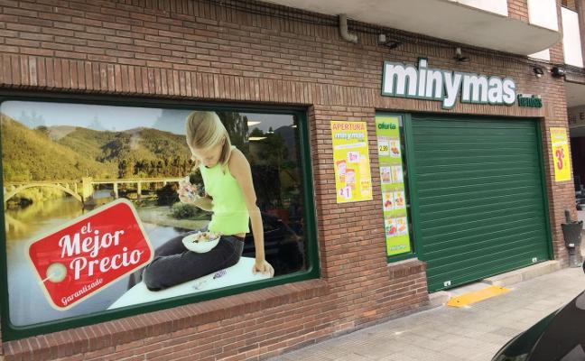 Hijos de Luis Rodríguez abre una nueva tienda en Pravia y crea tres puestos de trabajo