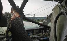 Los 97 pasajeros del Alvia, ilesos pese al espectacular accidente