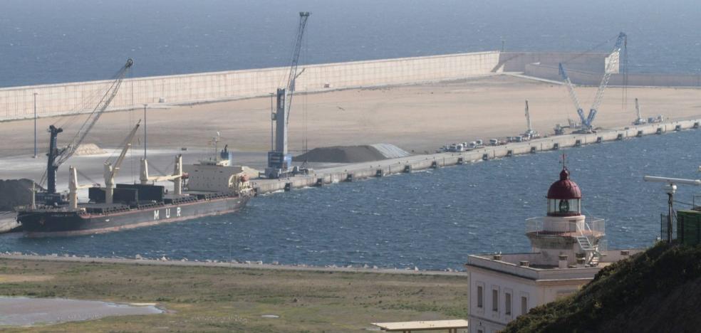 El Puerto de Gijón extiende la red ferroviaria, en ancho ibérico, al Muelle Norte