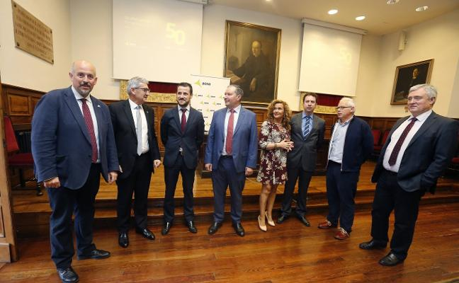 «La presencia de Ryanair daría un gran impulso al aeropuerto de Asturias»
