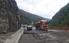 La carretera del argayo de Anzó reabre hoy al tráfico tras 78 días cortada