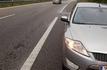Una conductora resulta ilesa tras salirse en la A-8, a la altura de Luarca, dando un giro de 180 grados
