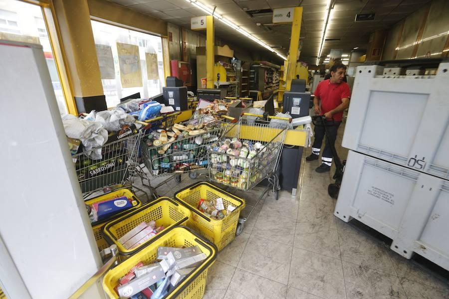 Un incendio en un supermercado de la Tenderina causa cuantiosas pérdida