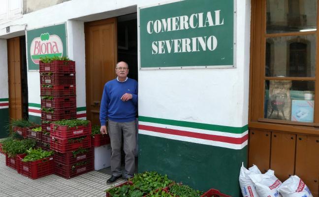 Juan Carlos Alonso, Premio 'Comerciante Decano' en Vegadeo