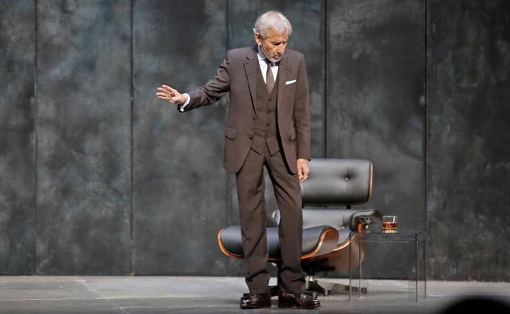 José Sacrsitán, un grande en el Teatro Jovellanos