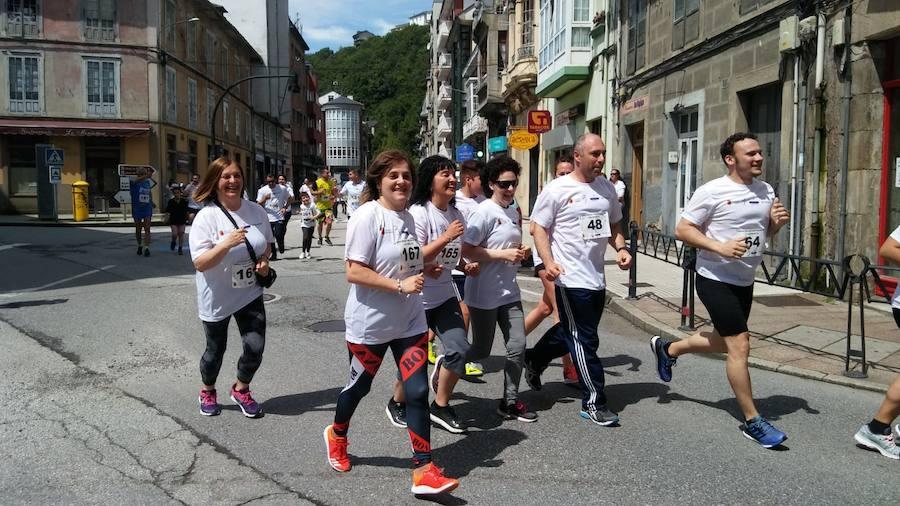 Cerca de 300 atletas en la primera Carrera Luarca Villa del Nobel