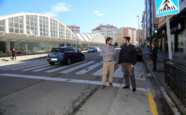 Somos Siero propone crear dos carriles bici en la calle Alcalde Parrondo
