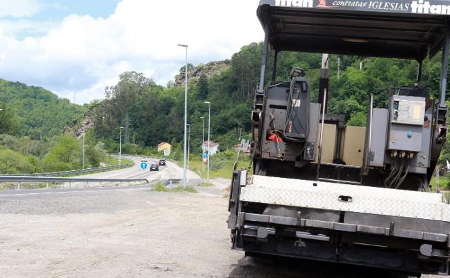 El corredor del Nalón tendrá un nuevo asfalto antideslizante más seguro