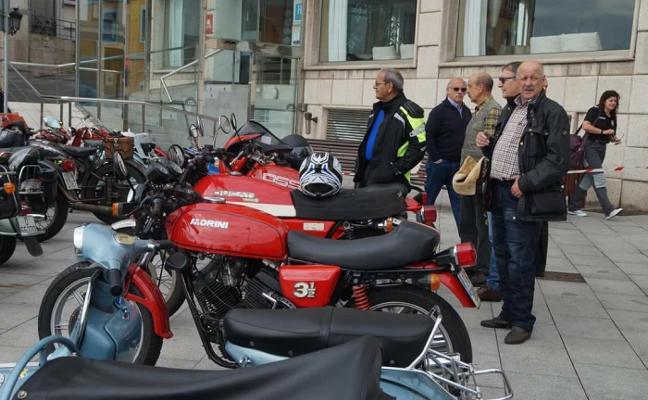 Candás acoge una concentración de motos clásicas