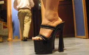Se enfrentan a seis años de cárcel por tener mujeres trabajando de forma irregular en un club de alterne de Castrillón