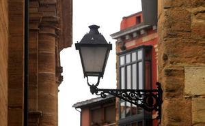 Detienen a dos jóvenes en Oviedo por el robo de cable de alumbrado público
