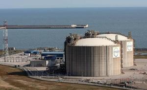 El Musel, estratégico como centro logístico de gas licuado para el transporte marítimo
