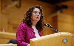 Montero afirma en el Senado que los Presupuestos de 2018 son de «tránsito»