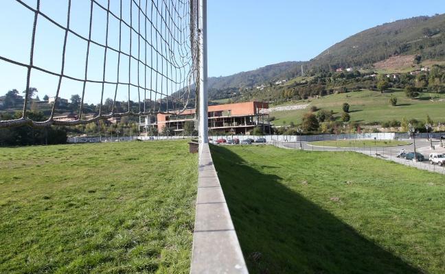 Urbanismo da vía libre al cambio de uso del terreno para el centro deportivo del colegio Loyola