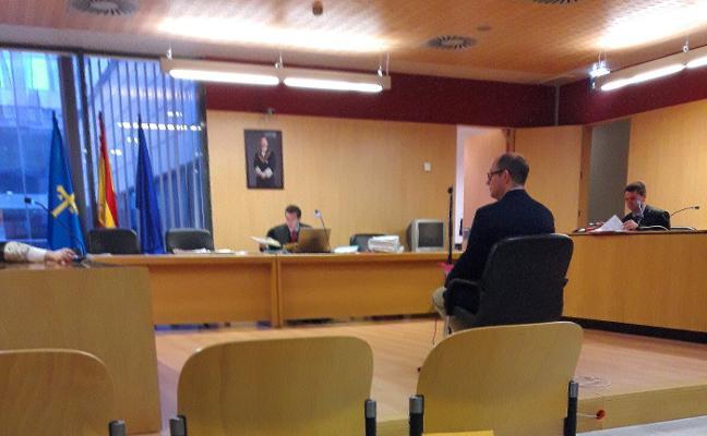El administrador acusado de desfalco abonará 19.161 euros a dos comunidades