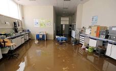 Gijón intenta recuperar la normalidad tras la tromba de agua que dejó cuantiosos daños y pérdidas millonarias