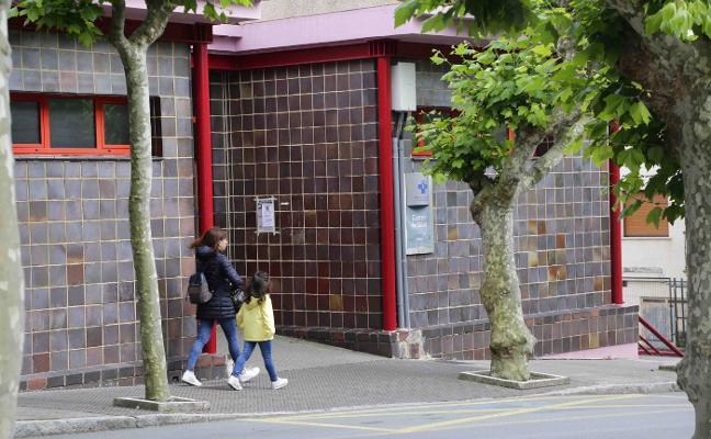 Los centros de salud de Llanes y Cangas piden ampliar los refuerzos
