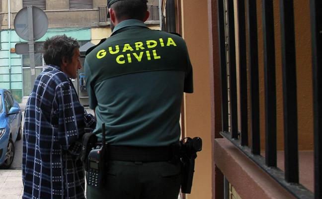 La Fiscalía pide que el asesino confeso del doctor Crego siga en prisión provisional
