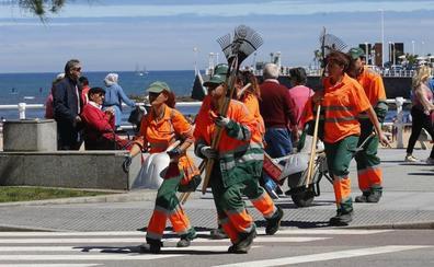 Gijón y Oviedo recogen este jueves sus Escobas de Platino