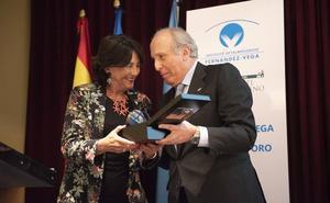 El Instituto Fernández-Vega entrega su medalla de oro a la Fundación Rafael del Pino
